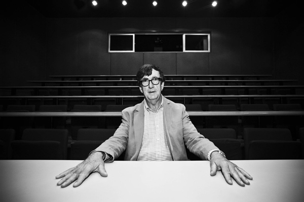 bruno latour by brunobizu d76pikj
