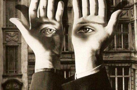 کتاب چشمان پوست