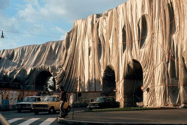 Christo and Jeanne Claude 12