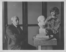 جان کاتن دِنا و ساختار اجتماعی موزه ها