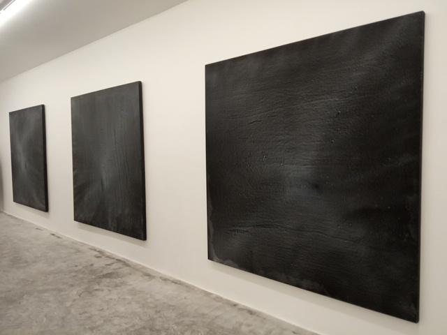 نور و مجموعه احسان لاجوردی در گالری اُ